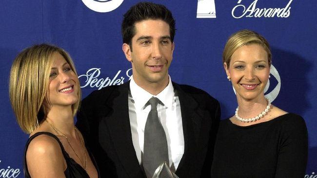 Emmy Awards 2020 menjadi kesempatan para pemain serial Friends menggelar reuni mini dan menyapa para penggemar.