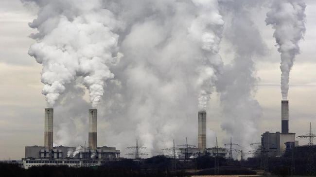 KLHK berharap 23 persen penurunan emisi gas kaca hingga 2030 berasal dari sektor kehutanan, sementara Greenpeace dan Walhi menyoal PLTU pencemar udara.