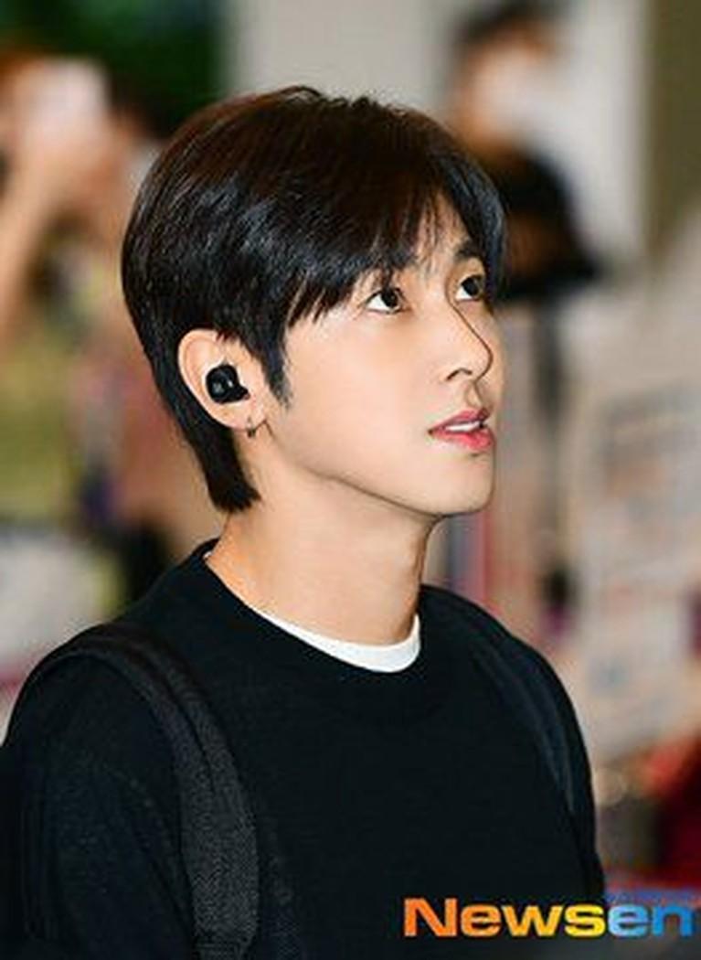 Dengan fitur-fiturnya yang tampan alami dan kulit cerha, Yunho tetap disebut sebagai satu visual teratas di K-Pop.