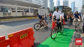 Anies Jadi 'Hero' karena Jalur Sepeda hingga Integrasi Moda