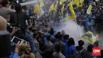 Ricuh Demo Dukung Revisi UU KPK, Dua Orang Dibawa Polisi