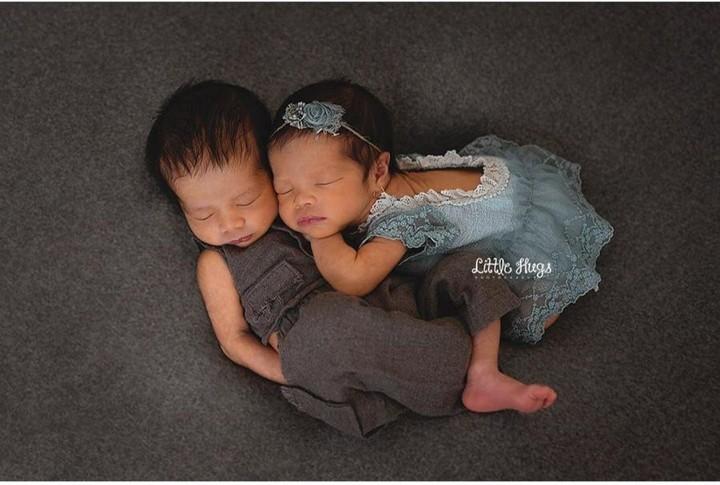 Damai banget ya, Bun, melihat keduanya tertidur pulas begini. (Foto: Instagram @ratnagalih)<span class=