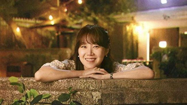 Drama Korea 'When the Camellia Blooms' sekaligus menjadi ajang reuni bagi pemeran utama Gong Hyo-jin dan Kim Ji-suk.
