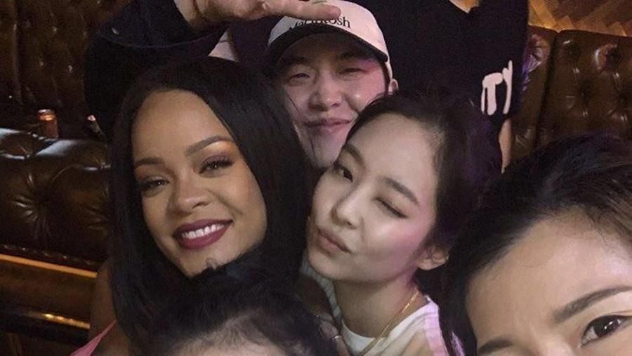 Bertemu di Korea, Fans Harap BLACKPINK Kolaborasi dengan Rihanna
