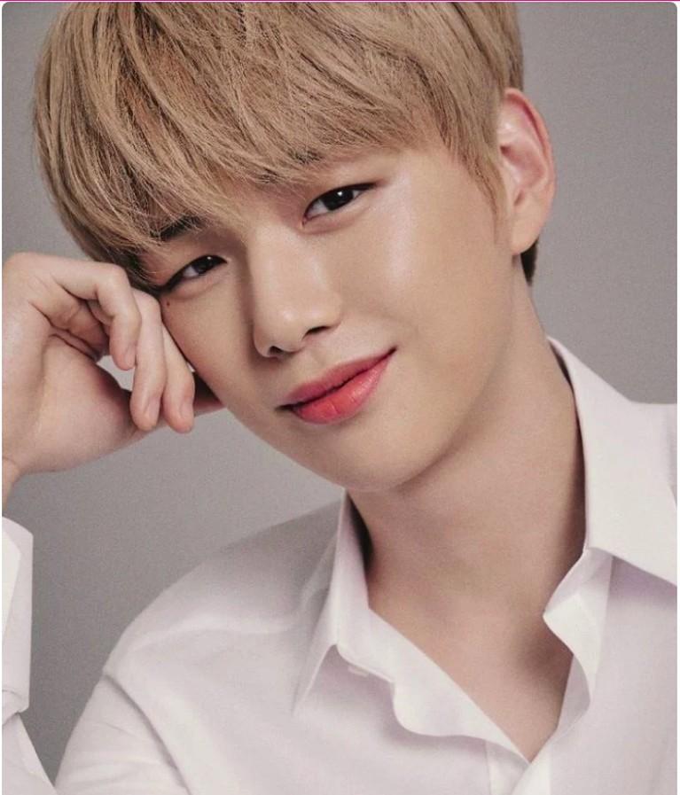 Brand ini memilih Daniel untuk menjadi model karena kepercayaan diri dan pengalaman yang ia tampilkan di panggung sangat cocok dengan citra Givenchy Beauty.