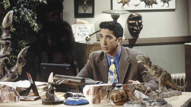 Aktor David Schwimmer mengaku ia akan segera memulai syuting Friends Reunion kurang lebih sebulan lagi.