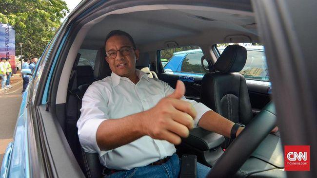 Gubernur Anies Baswedan menyebut pembangunan di Jakarta selama ini didesain bukan untuk pejalan kaki, tapi untuk kendaraan.