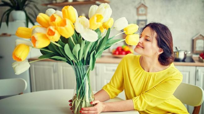 Tanaman hias dianggap bisa membantu meningkatkan kesehatan bahkan keberuntungan Anda. Berikut 7 bunga yang dianggap membawa keberuntungan.