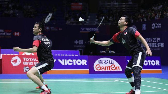 Ganda putra Indonesia Mohammad Ahsan/ Hendra Setiawan gagal melangkah ke semifinal Fuzhou China Open 2019 usai takluk dari ganda Malaysia.