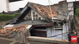 Cerita Pemilik Rumah Terhimpit Apartemen di Jantung Jakarta