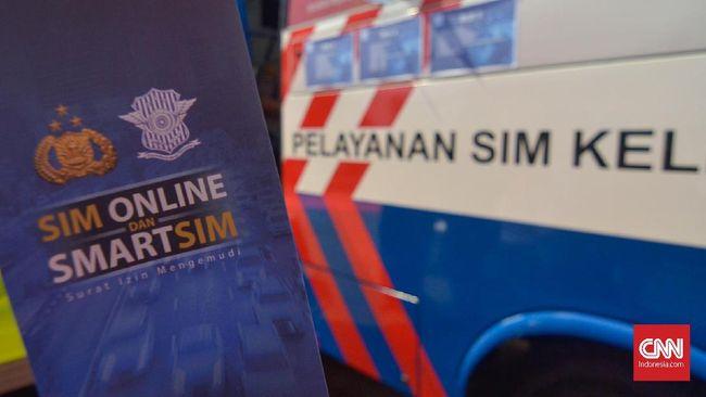 Aplikasi SIM online, Sinar, sejauh ini terpantau belum tersedia di Play Store dan App Store.