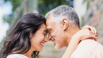 Viral Pasutri Beda Umur 40 Tahun, Bukti Cinta Kalahkan Segalanya?