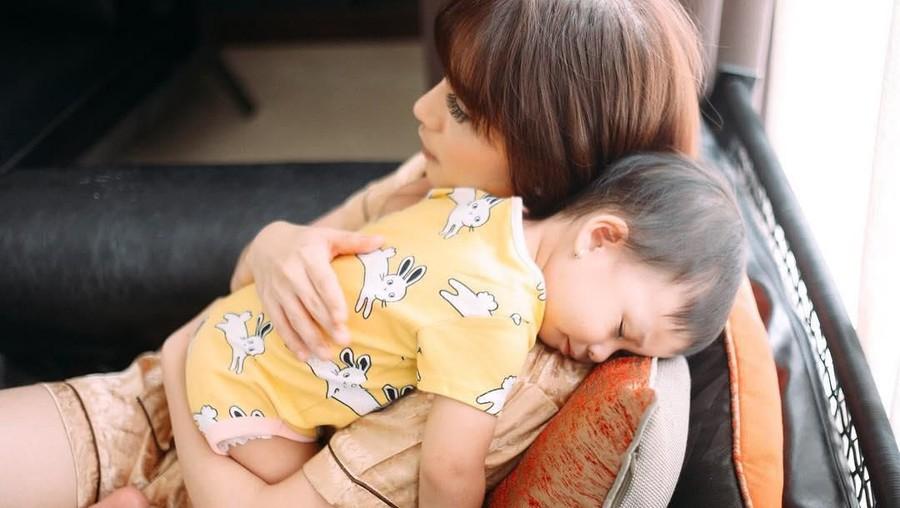 Haru dan Sedih! Cerita Chelsea Olivia & Sabai Dieter Menyapih Anak