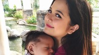 Tasya Kamila melahirkan anak pertama pada 13 Mei lalu, yang diberi nama Arrasya Wardhana Bachtiar. Berbagai cobaan pun dialami istri Randy Bachtiar ini, mulai dari kurangnya produksi ASI hingga harus menghadapi <em>mom shaming</em>. (Foto: Instagram @tasyakamila)
