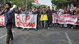 Saiful Mujani: Demokrasi Indonesia Merosot Di mana-mana
