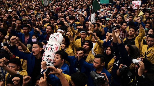 Polda Metro Jaya tak bakal menerbitkan Surat Tanda Terima Pemberitahuan (STTP) untuk aksi demo jelang pelantikan Jokowi-Ma'ruf Amin pada 20 Oktober 2019.