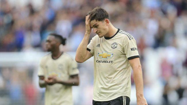 Satu hal yang muskil bagi manajer Manchester United saat ini mengurusi 'anak-anak' cengeng di skuat tersebut.