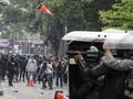 Polisi Amankan Pelaku Demo Dalam Truk di Palmerah