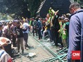 Kecewa DPR, Mahasiswa Semarang Jebol Gerbang Kantor Gubernur