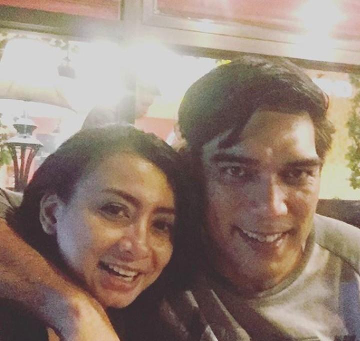 Siapa sangka, Sutan Simatupang, pemeran Aceng termasuk suami yang romantis pada istri lho.