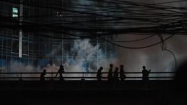 Kesaksian di Slipi: Dicekik Gas Air Mata dan Amarah Massa