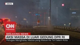 VIDEO: Massa Memenuhi Jalan Tol Dalam Kota