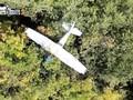VIDEO: Pesawat Kecil Tersangkut di Pepohonan Saat Mendarat