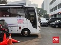 Cegah Diamuk Massa, Bus DPR Tutupi Logo dengan Karton