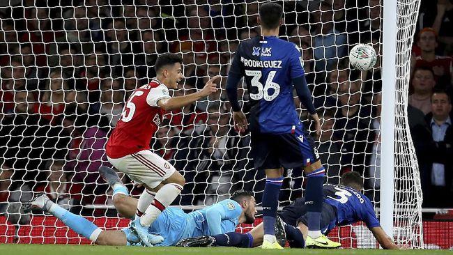 Wonderkid Arsenal Gabriel Martinelli disamakan dengan Cristiano Ronaldo usai menyumbangkan dua gol ke gawang Nottingham Forest, Rabu (25/9) dini hari WIB.