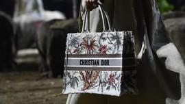 Dior Bakal Gelar Show Perdana saat Pandemi Tanpa Penonton