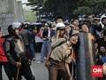 Azan Berkumandang, Bentrok Pelajar-Polisi di DPR Terhenti