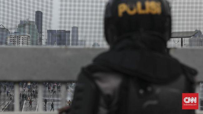 AJI mencatat 10 kasus kekerasan aparat terhadap jurnalis dalam sepekan terakhir. Enam kasus di antaranya terjadi ketika jurnalis merekam aksi brutal aparat.