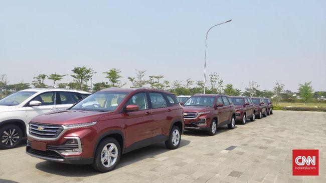 SGMW Motor Indonesia memproduksi Chevrolet Captiva, atau saudara kembar Wuling Almaz yang diproduksi di Cikarang. Captiva dipasok ke Thailand