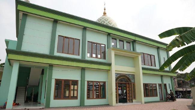 PT Hutama Karya (Persero) menyerahkan bantuan dana CSR untuk pembangunan sarana ibadah di Depok, Jawa Barat, senilai Rp700 juta.