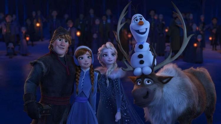Dalam Frozen II, petualangan Elsa dan Anna semakin seru, Bunda. Penasaran?