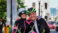 <p>Keduanya sering menghabiskan waktu untuk olahraga bersama. Bersepeda pun rutin dijalani untuk mengisi waktu luang. (Foto: Instagram @ganjar_pranowo)</p>