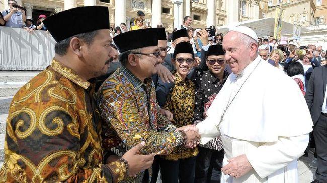 Ketua Umum PP GP Ansor, Yaqut Cholil Qoumas, mendukung pemikiran Paus Fransiskus tentang pentingnya mengusung ide agama untuk merawat perdamaian.