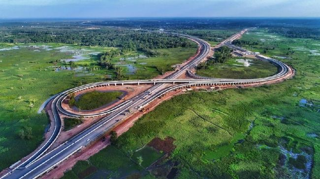 Presiden Jokowi memberikan modal Rp10,5 triliun berbentuk PMN bagi Hutama Karya untuk membangun Jalan Tol Trans Sumatera.