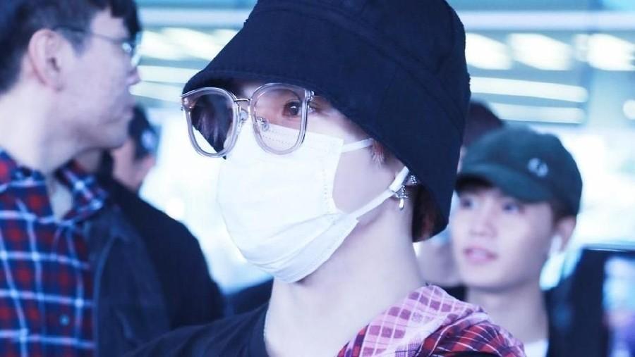 Taeyong NCT 127 Pakai Sarung ke Korea, Netizen: Abis Ngeronda Nih