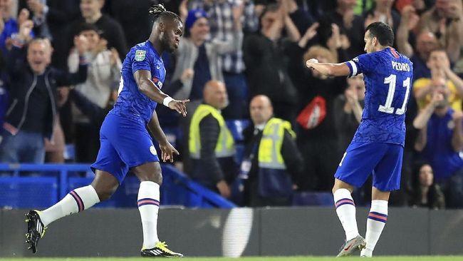 Dua bigmatch akan terjadi pada babak keempat Piala Liga Inggris, yakni Chelsea vs Manchester United dan Liverpool vs Arsenal.