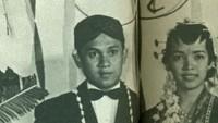 <p>Ainun merupakan teman Habibie semasa SMA. Keduanya menghabiskan masa remaja di Bandung, dan sering belajar bersama di bawah bimbingan guru Ilmu Pasti dan Ilmu Alam, Go Ke Hong.</p>