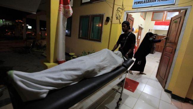 Polda Sulawesi Tenggara mengklarifikasi bahwa luka di kepala mahasiswa Halu Oleo Muhammad Yusuf Qardawi (19) disebabkan oleh benda tumpul, bukan peluru tajam.