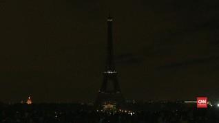 VIDEO: Menara Eiffel Berduka Atas Kepergian Jacques Chirac