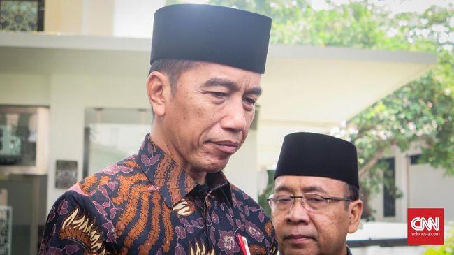 Anggota DPR Fraksi Gerindra Muhammad Syafii menyebut Presiden Jokowi tak paham demokrasi lantaran banyak tindakan represif aparat