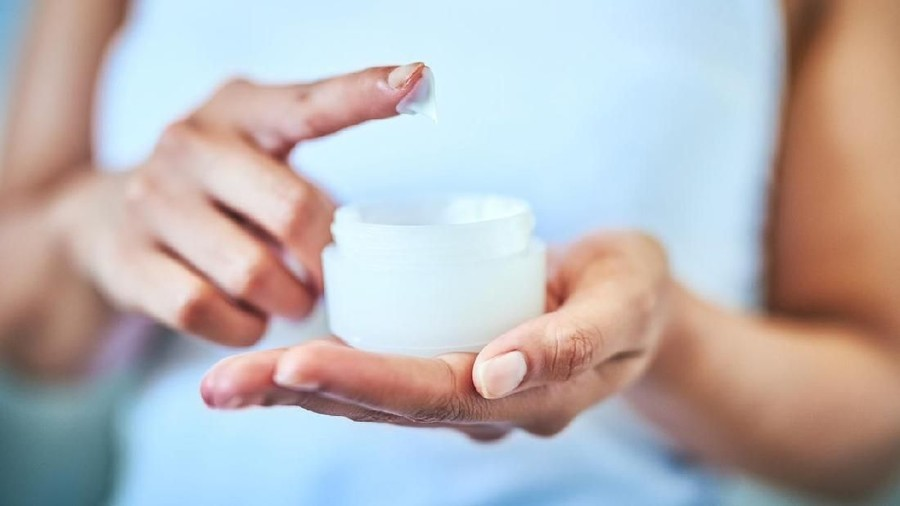 5 Bahan Skin Care yang Berbahaya untuk Ibu Menyusui & Bayi