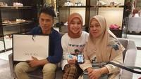 Lestyani Andyani atau dikenal dengan Lesti adalah juara 1 ajang pencarian bakat di salah satu stasiun TV, Dangdut Academy, di tahun 2014. Lesti dikenal dekat banget dengan kedua orang tuanya, Bun. (Foto: Instagram @lestykejora)