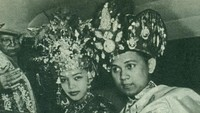 <p>Keesokan harinya, pesta pernikahan mereka digelar dengan adat dan budaya Gorontalo di Hotel Preager.</p>