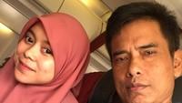 Setelah menjadi juara, perempuan 20 tahun ini mewujudkan keinginannya untuk membantu pengobatan sang ayah yang mengidap tumor. (Foto: Instagram @ayah_kejora)