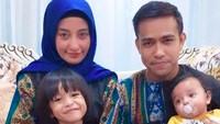 <p>Dari pernikahannya dengan Salmiati, Fildan dikaruniai 2 anak. (Foto: Instagram/ @da4_fildan)</p>