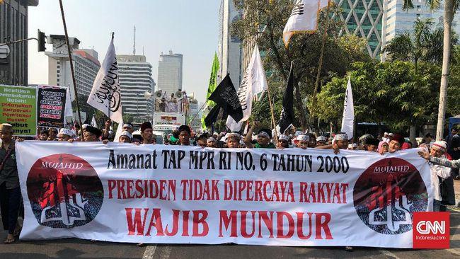 Berbendera Tauhid, Massa Aksi Mujahid 212 Berarak ke Istana